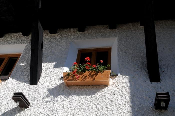 [46] Giebelfenster am Kölner Haus ©Kalle Kubatschka © Deutscher Alpenverein Sektion Rheinland-Köln