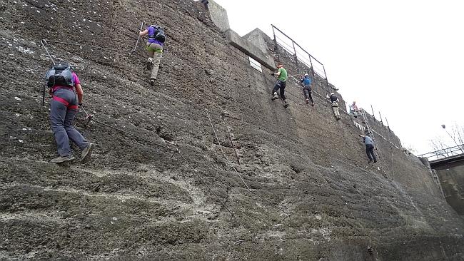 Klettersteiganlage im Landschaftspark Duisburg-Nord © Deutscher Alpenverein Sektion Rheinland-Köln