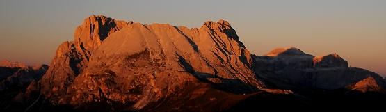 [145] Sonnenuntergang auf Plattkofel und Langkofel ©Kalle Kubatschka